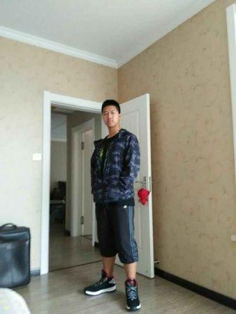 2015级中文播音部成员:朱越
