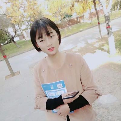 2017级技术部成员:张青