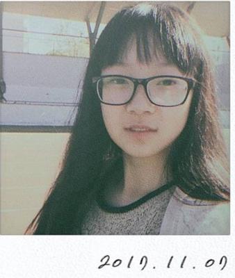 2017级中文播音部成员:徐秋月
